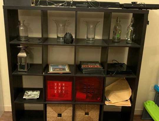 shelf in good condition