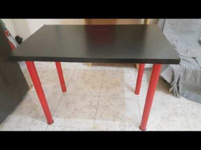 Table with removable Red Legs