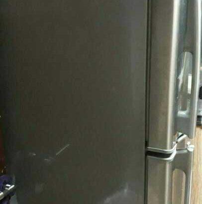 Hitachi Fridge (Big) 470 Litres excellent condition