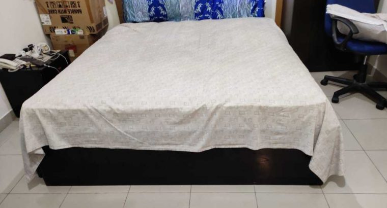 king size bed with 2 storage box left and right
