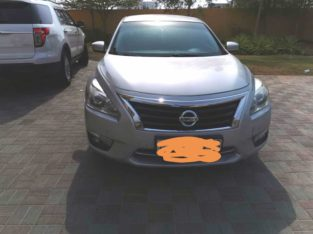 Nissan Altima – Clean