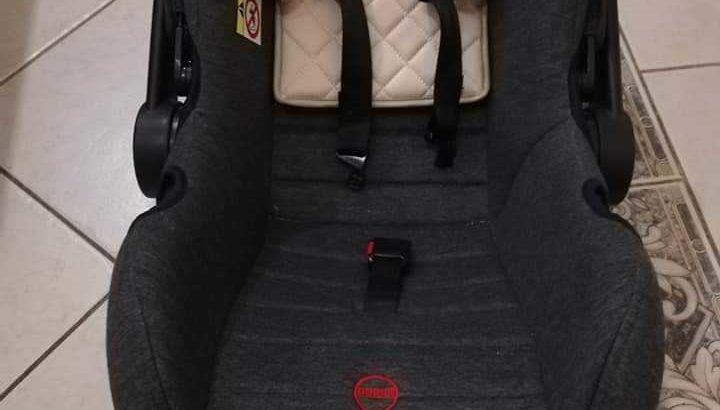 Infant car seat and baby bouncer both for 300 aed