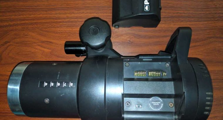 Profoto B1500 AirTTL flash with battery