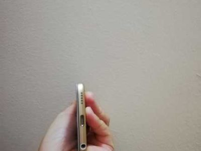 Apple Ipod Touch 7th generation 32GB Gold