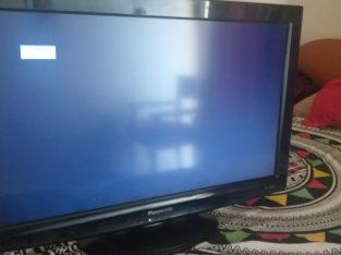 Tv for sale 32 INch lcd 200 AED.in karama Dubai