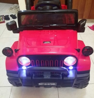 Kids Car Rechargeable + remote only 350 Aed