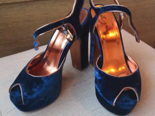 Blue velvet shoes, size 37, Zigi brand