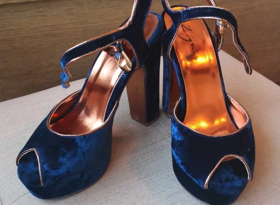 Blue velvet shoes, size 37, Zigi brand