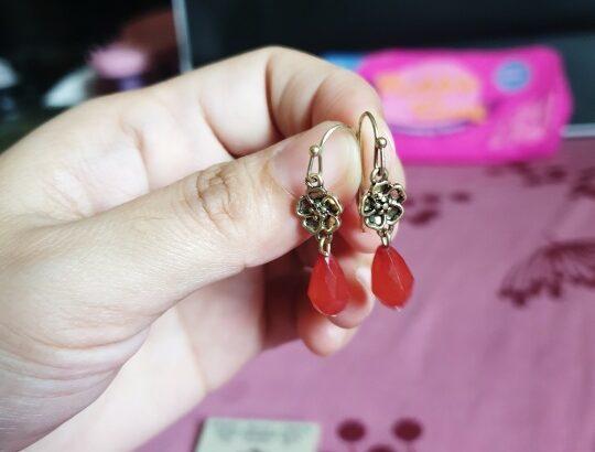 vintage American earings branded from ninewest